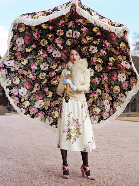 The lady with the umbrella - Turisme de Barcelona