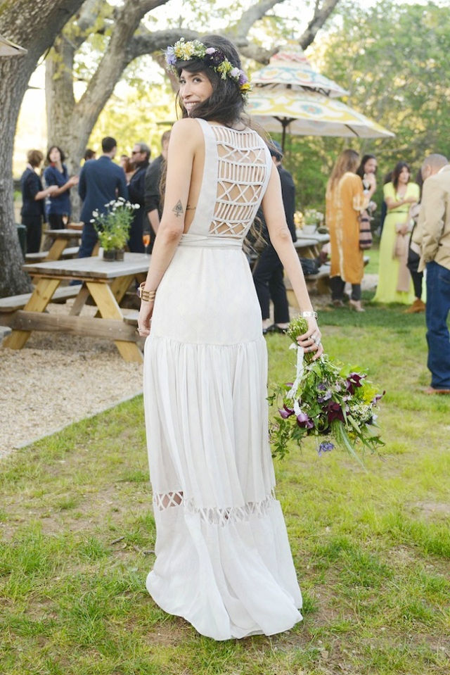 Pamela love s hippie wedding for Boho country wedding dress
