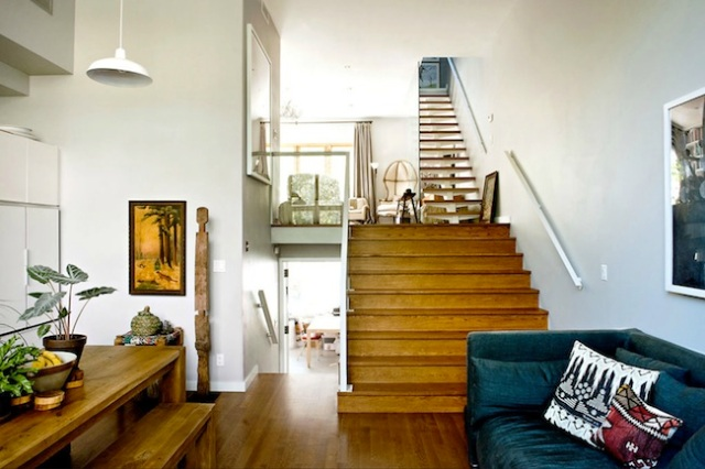 neat-two-story-house-in-williamsburg-1b