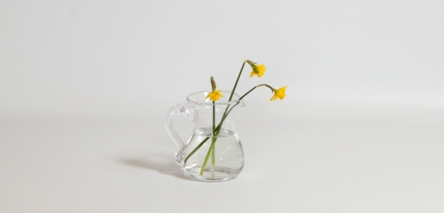 Jug_wih_flowers_Are_Feature
