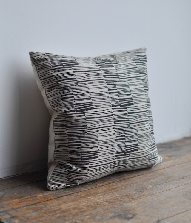 lines pillow4