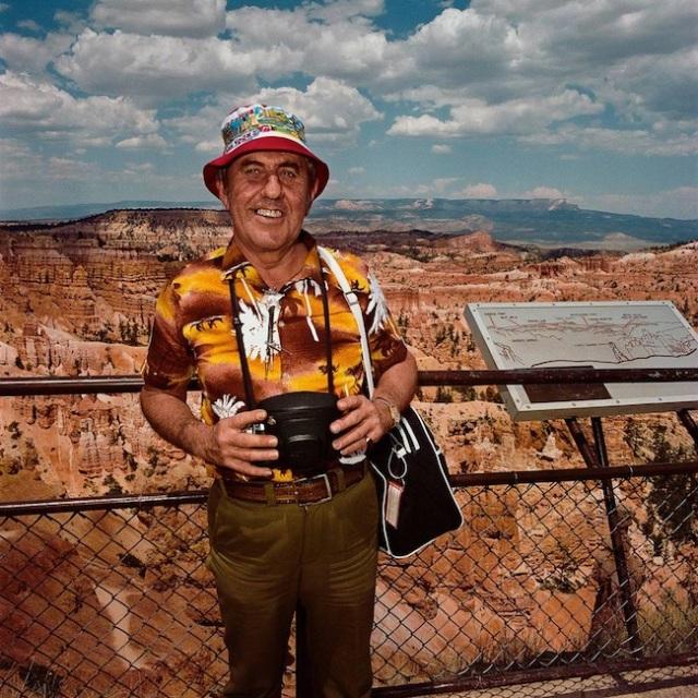 Man-Wearing-Hawaiian-Shirt-at-Sunrise-Point-Bryce-Canyon-National-Park-UT-19801