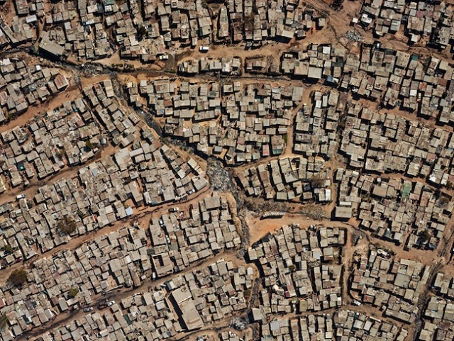 large-pieter_hugo-aerial_view_of_diepsloot
