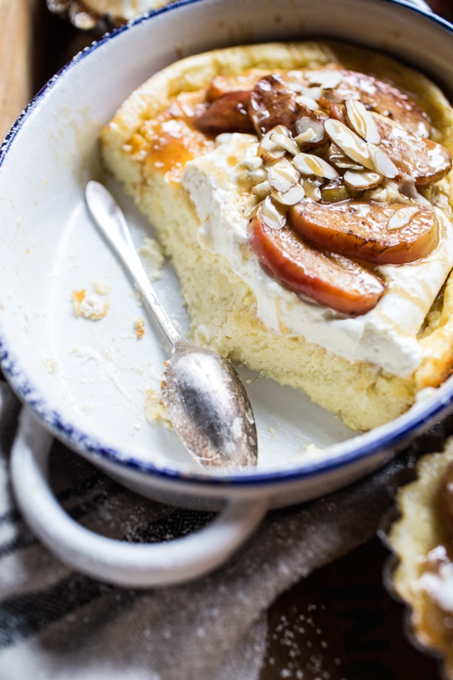 Easy-Warm-Swedish-Caramel-Apple-Cheesecake-11